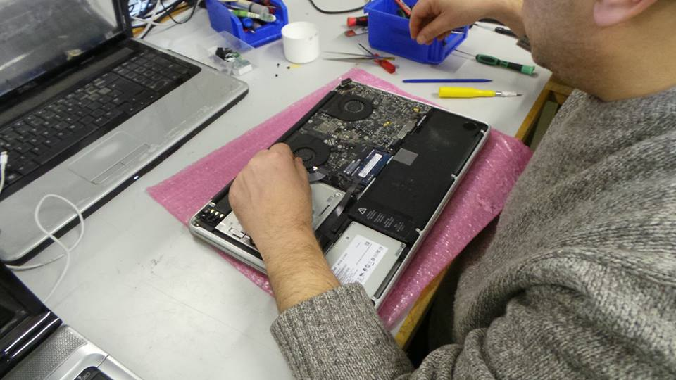 Apple MacBook Pro A1286 Repair