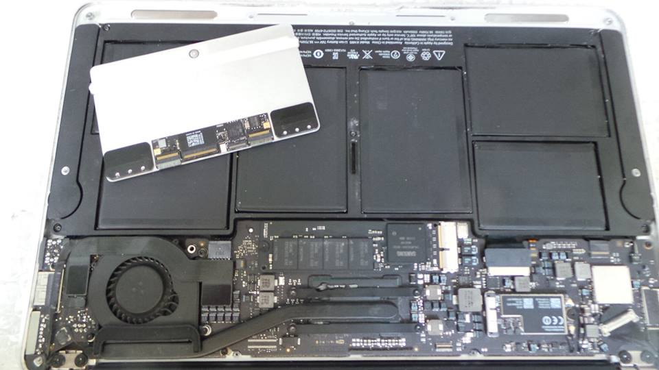 MacBook Air (11-inch, Mid 2013) A1465 Logic Board Repair