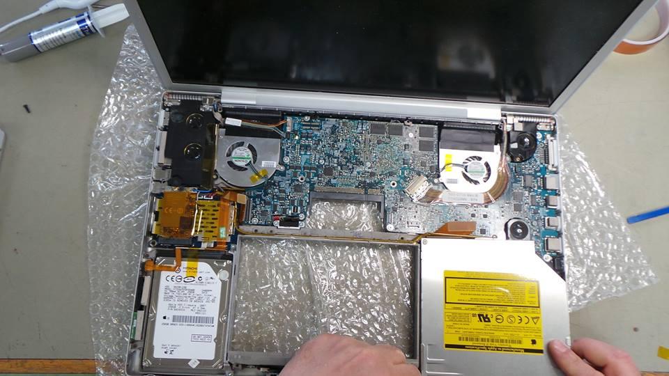 MacBook Pro A1261 Graphics Card Repair